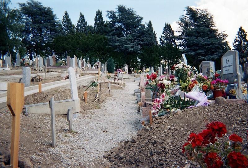 Le carré musulman du cimetière de Côte-Chaude, à Saint-Etienne (photo : Nadim Ghodbane)