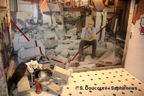 """Extrait de l'exposition """"In between war"""" de MSF. Ici une installation sur les destructions de maisons en Palestine."""