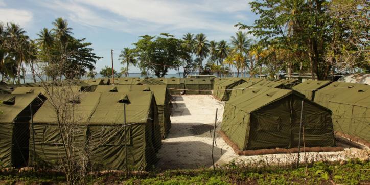 Un camp de refugiés à Manus.