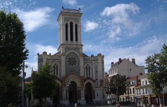 Saint-Etienne : deux musulmans à l'église, panique en pleine messe