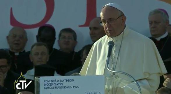 A Assise, les dignitaires religieux reçus en grande pompe par le pape François