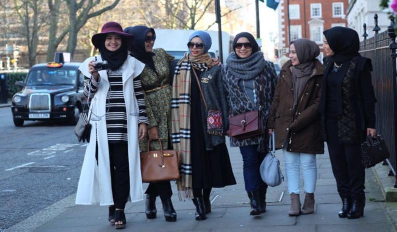 Cinq idées reçues sur la « modest fashion »