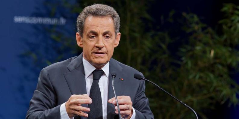 Interdiction du voile : non dans les rues, oui dans les universités pour Sarkozy