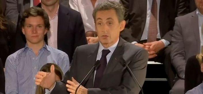« Double ration de frites » contre du porc : la proposition de Sarkozy qui fait rire