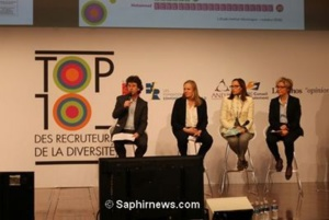 De gauche à droite : Nicolas Barré accompagné de Laurence Méhaignerie, co-rédactrice de la Charte sur la diversité, Armelle Carminati (MEDEF) et Rachel Compain (AFMD)
