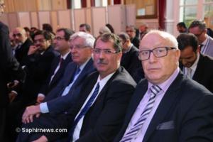 Jean-Pierre Chevènement aux côtés des responsables du CFCM. A sa droite, Ahmet Ogras ; à sa gaucge Anouar Kbibech et Abdallah Zekri.