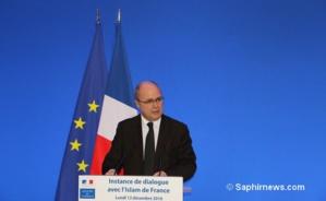 Le ministre de l'Intérieur Bruno Le Roux pour clôturer l'instance de dialogue.