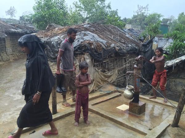 Rohingyas : des prix Nobel de la paix interpellent l'ONU