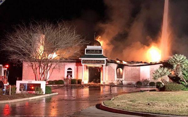 Texas : un million de dollars pour la mosquée Victoria, ravagée par les flammes