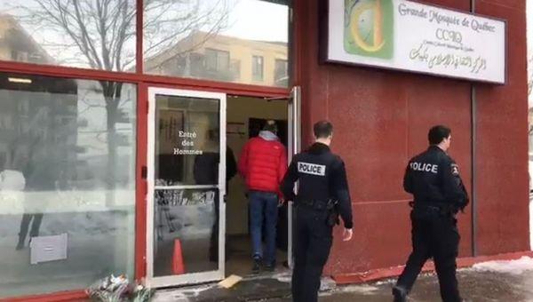 La salle de prière du Centre culturel islamique de Québec avant l'attaque du 29 janvier 2017.