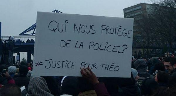 Une manifestation a été organisée à Bobigny pour réclamer justice pour Théo, samedi 11 février. © Madjid Messaoudène