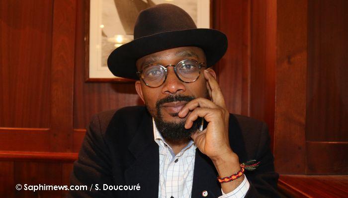 Karfa Diallo, fondateur de l'association Mémoires et partages, est à l'initiative de la Grande Marche de la citoyenneté entre Bordeaux et Paris. © Saphirnews.com