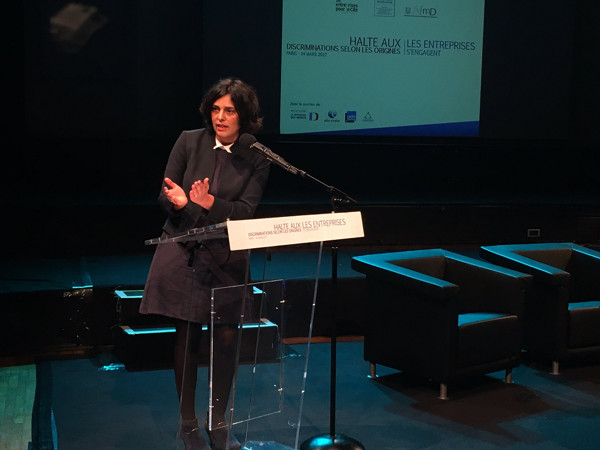 Myriam El Khomri, ministre du travail, à la conférence « Halte aux discriminations selon les origines » le 14 mars 2017 - © Twitter : Myriam El Khomri