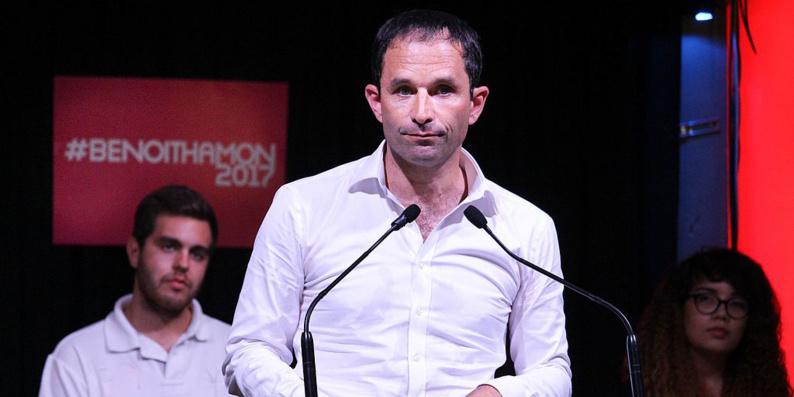 Benoît Hamon en meeting à Saint-Denis.