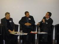 De gauche à droite : Père Maurice Borrmans ; cheikh Larbi Kechat ; Antony Torzec.