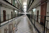 Suicides dans les prisons de Rennes et Marseille