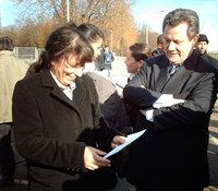La secrétaire d'Etat à la ville, Fadela Amara et Gérard Hamel, député-maire de Dreux