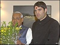 A droite, Varun Gandhi.
