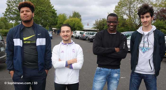 Plusieurs jeunes de Villepinte, dont quatre à l'image, sont venus assister au meeting de Marine Le Pen lundi 1er mai. © Saphirnews.com