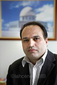 El Hassane Oufker, directeur du lycée : « Avec 23 professeurs et une dizaine de personnes à la vie scolaire et administrative, le taux d'encadrement est de 1 adulte pour 3 élèves. »
