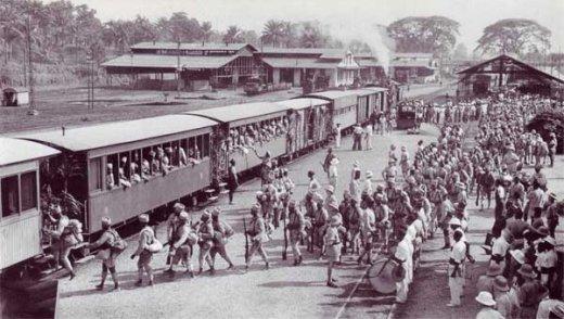 1941 : départ de tirailleurs pour la guerre.