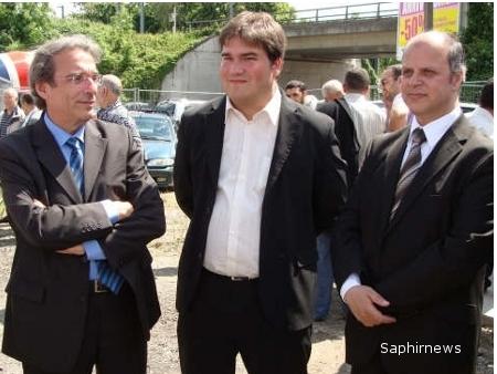 De g. à dr. : Roland Ries, sénateur-maire de Strasbourg, Olivier Bitz, adjoint au maire chargé des cultes, conseiller général du Bas-Rhin, et Saïd Aalla, président de la Grande Mosquée de Strasbourg, lundi 18 mai.