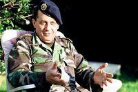 Le général Michel Aoun, leader chrétien et farouche opposant à Israël, soutient le Hezbollah.