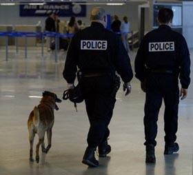 Après la perte de son beau-frère et de son meilleur ami dans le crash d'Air France, il est victime de violences policières