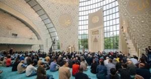 La mosquée de Cologne vue de l'intérieur. © Costa Belibasakis