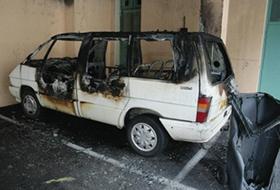 Saint-Chamond : le véhicule de la mosquée incendié sur le parking