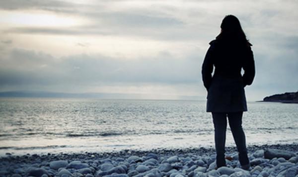 Béatrice Huret raconte, dans livre « Calais mon amour », son histoire d'amour avec un migrant iranien que l'ex-sympathisante du FN a aidé à passer en Angleterre.
