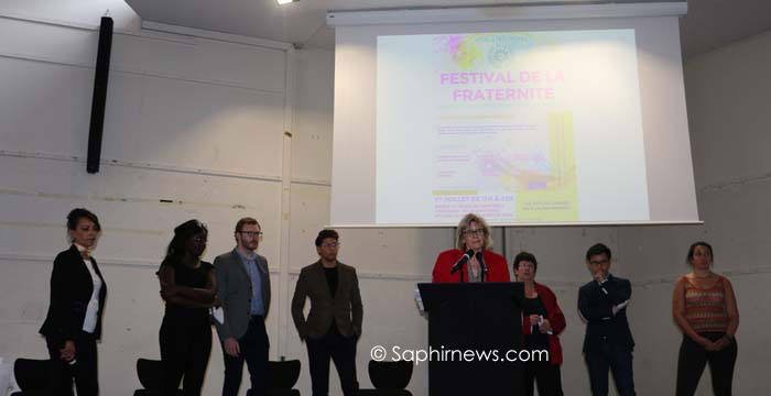 Le Festival de la fraternité a été organisé samedi 1er juillet à Saint-Denis, sous la houlette de plusieurs responsables associatifs et élus locaux comme Aline Archimbaud (au pupitre), sénatrice en Seine-Saint-Denis.