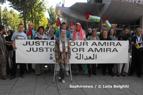 Près de cent vingt personnes ont accompagné Amira Al Qerem à la Cour pénale internationale de La Haye, ce lundi 31 août.
