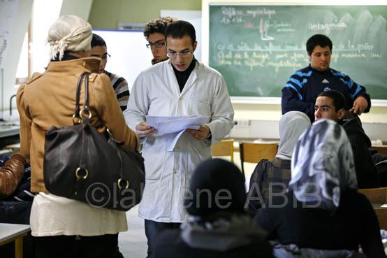 Cours de SVT (sciences de la vie et de la Terre), en classe de première au lycée Averroès, à Lille.