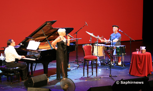 Auteur-compositeur et interprète, Sezen Aksu est l'une des artistes les plus connues en Turquie.