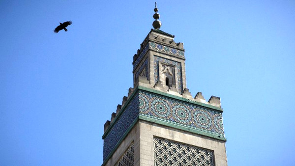 A la Grande Mosquée de Paris, un hommage au Père Hamel pour le prêche du vendredi
