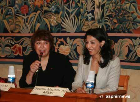 Fadila Mehal (à g.), présidente des Mariannes de la diversité, et Soumia Malinbaum, présidente de l'Association française des managers de la diversité, lors du discours d'ouverture du colloque lundi 12 octobre.