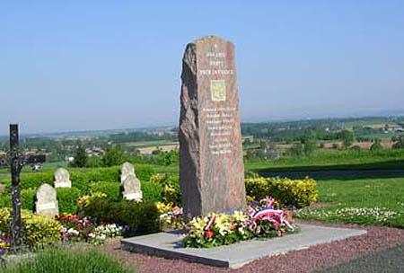 Le monument en mémoire des soldats marocains tombés pour la France à Montjoie-Saint-Martin, théâtre de profanations dans la nuit du mardi au mercredi 21 octobre.