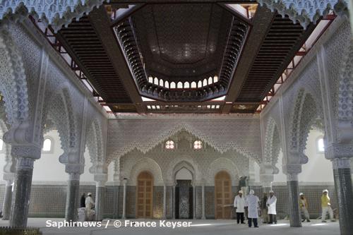 Le 26 octobre, le consul général du Maroc à Lyon Saâd Bendourou, le préfet Pierre Soubelet, le maire Maurice Vincent, son premier adjoint Michel Coynel et  le président du CFCM Mohammed Moussaoui ont visité de la Grande Mosquée de Saint-Étienne.