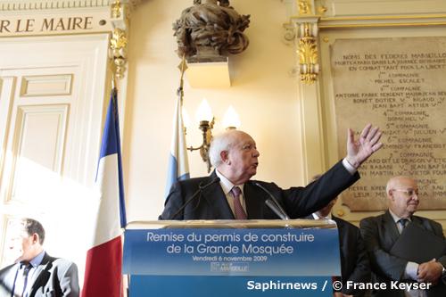 Jean-Claude Gaudin : « C'est une reconnaissance envers les musulmans marseillais, que ce soit les anciens qui ont participé à la libération de Marseille ou leurs enfants qui contribuent au développement économique et culturel de la ville. »