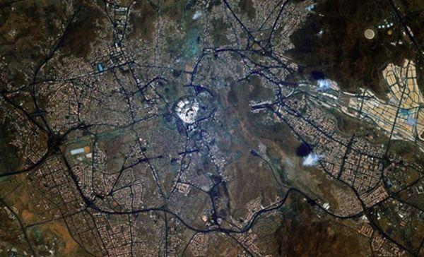 Un cosmonaute russe poste des photos de La Mecque depuis l'espace