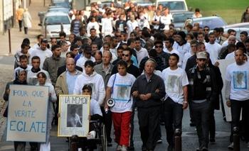 Marche en mémoire de Hakim Djelassi, samedi 21 novembre. (Photo : Patrick James /Voix du Nord)