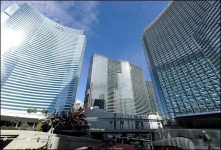 Alors que Dubaï World possède une montagne de dettes, elle n'hésite pas à inaugurer un complexe hôtelier pharaonique et un centre commercial de grand luxe, mercredi 16 décembre, en plein cœur de Las Vegas. Le tout pour 8,5 milliards de dollars.