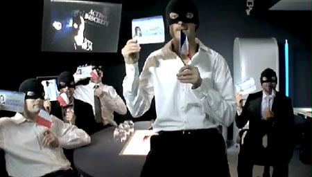 Copie d'écran de l'émission d'Action discrète : les humoristes avaient investi le débat sur l'identité nationale, organisé à la préfecture de l'Aube.