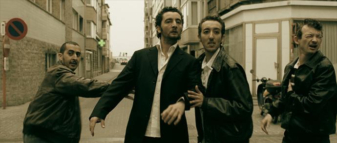 Les quatre acteurs forment une équipée délirante. De g. à dr. : Mourade Zeguendi (Mounir), Nader Boussandel (Hassan), Monir Aït Hamou (Aziz) et Julien Courbey (Franck).