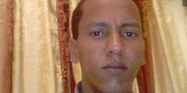 Mohamed Ould Cheikh M'Kheitir a été condamné pour blasphème mais a pu être libéré en novembre. Après cette libération, l'Etat mauritanien a cependant souhaité renforcer sa législation en systématisant la peine de mort pour blasphème, même en cas de répentir. © HRW.
