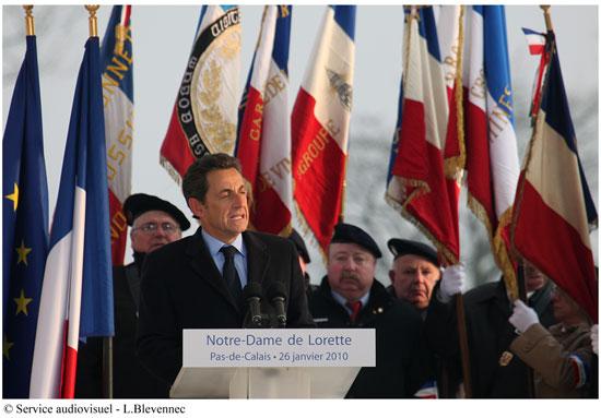 Allocution du président de la République au cimetière militaire de Notre-Dame-de-Lorette, à Ablain-Saint-Nazaire (Nord), le jour même de la remise du rapport de la commission sur le voile intégral...