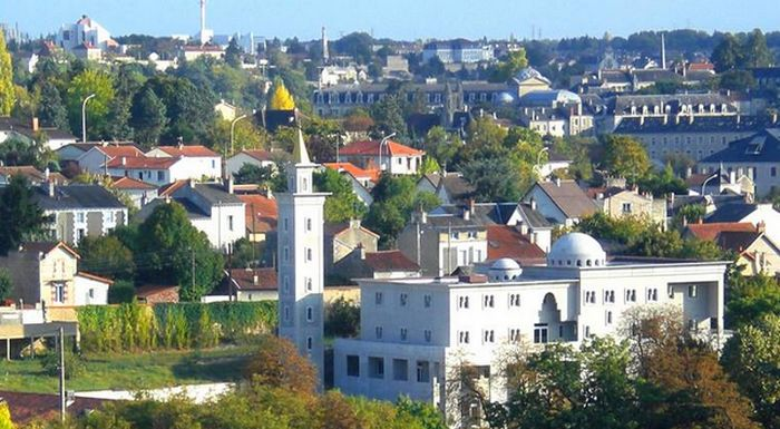 Mosquée de Poitiers : Génération Identitaire condamné, refuser « un chèque en blanc aux extrémistes »