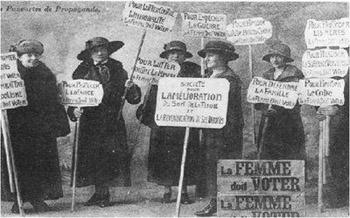 En France, l'ordonnance du 21 avril 1944 reconnaît le droit de vote et d'éligibilité des femmes.