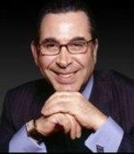 Nasser David Khalili, initiateur de l'exposition « Arts de l'islam ».